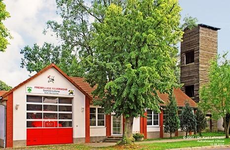 Feuerwehrgebäude und Schlauchturm