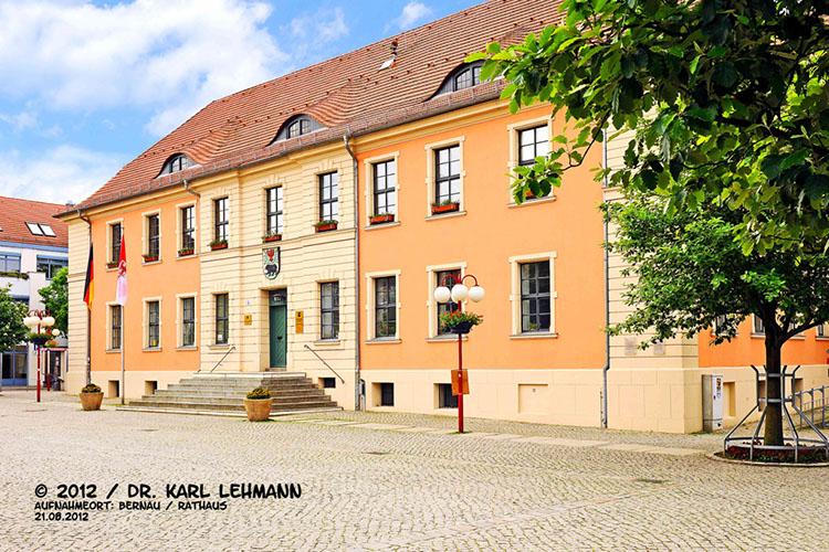 Rathaus und Marktplatz Bernau